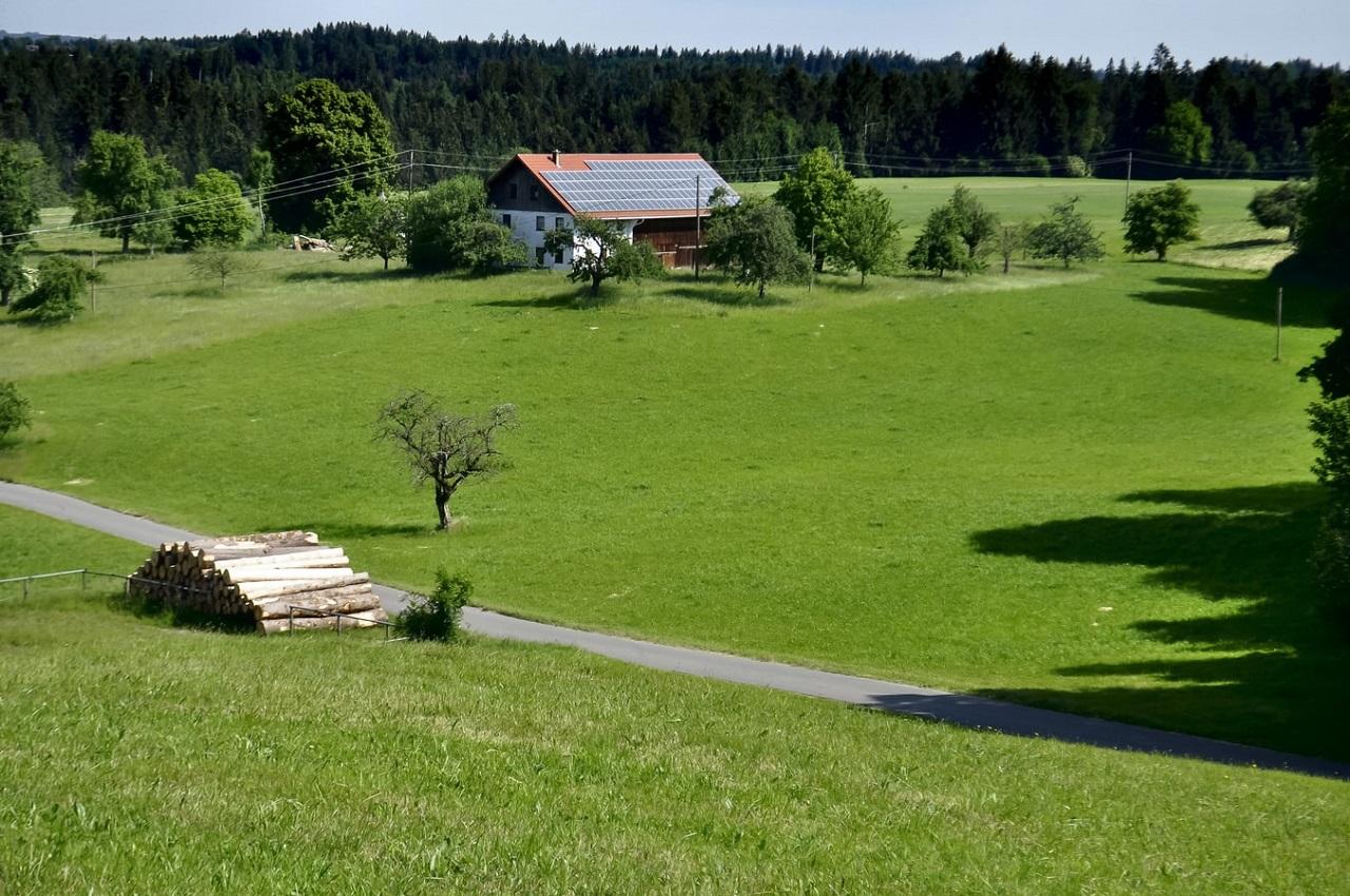 山林の入り口には農家が多くありトラブルを避けたいものです。
