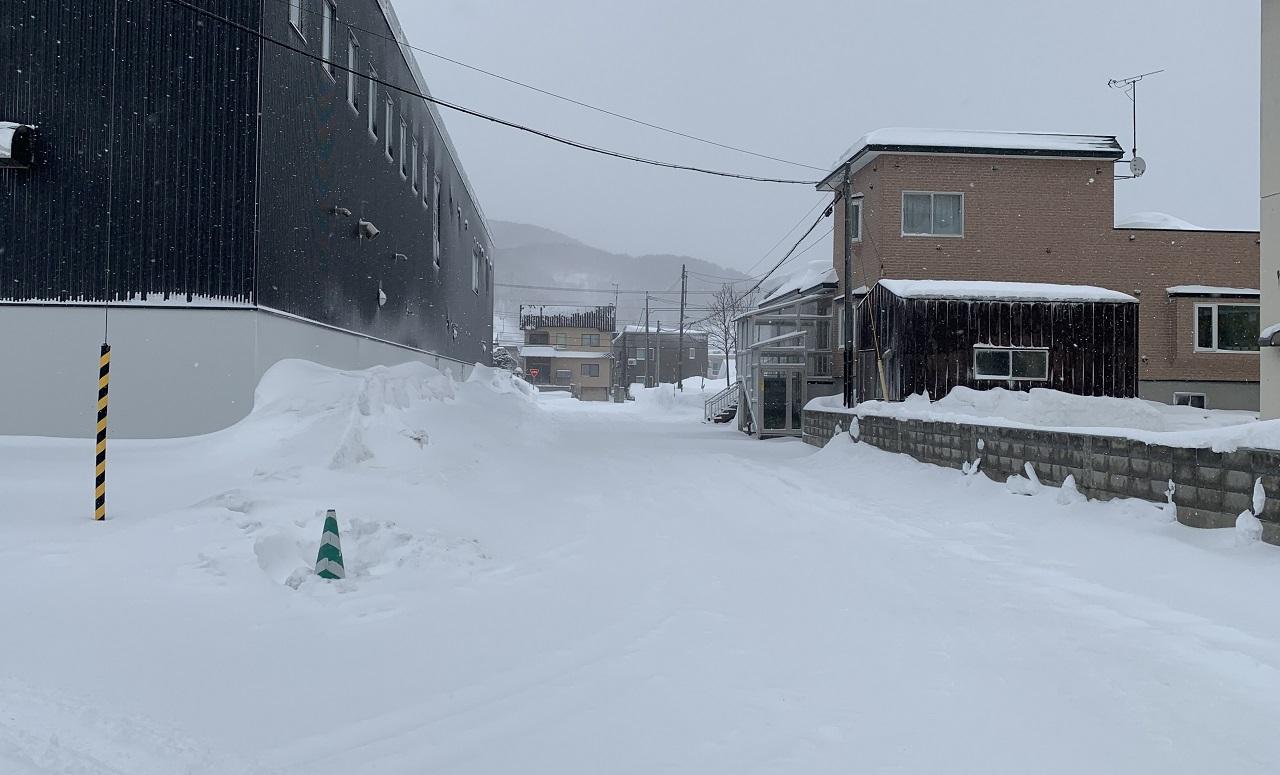 基準を満たしていない道路は、自治体が除雪してくれません。