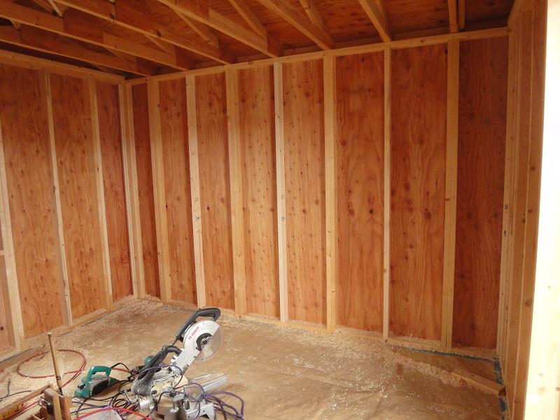 建築の耐力壁や型枠に使用される合板原料としても使われてます。