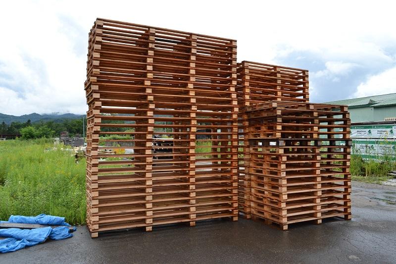 工場や倉庫のパレット材、魚函、梱包資材に使われます。