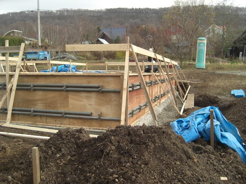 土木の仮設資材も数量が多く、垂木、桟木、杭など用途がたくさんです。